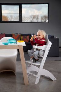 Lambda 3 Baby Treppenstuhl Weiss+Brett/ Abdeckung